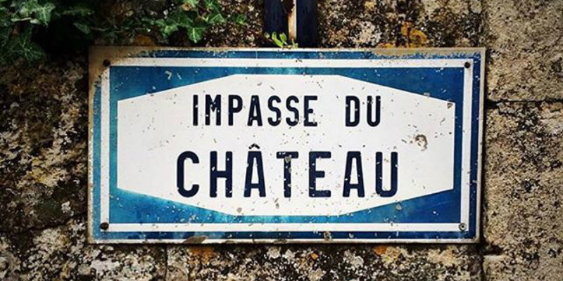 Impasse du Chateau sign post