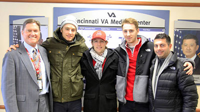 Hockey team visits Cincinnati VA.