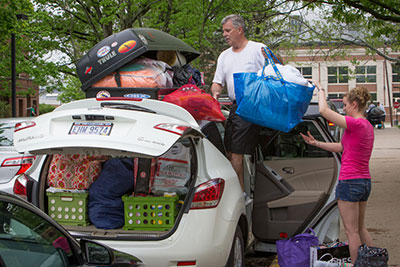 Students move in with help from parents.