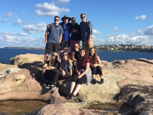 australia-students-by-ocean.JPG