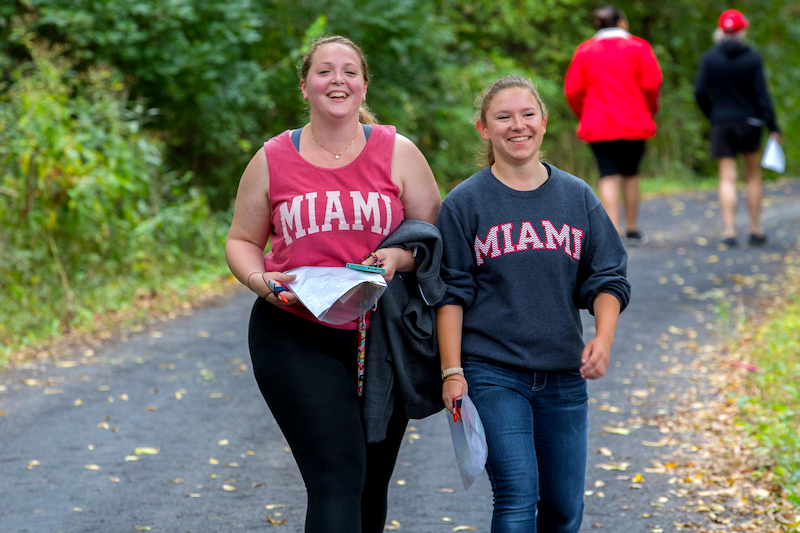 miami-students-hiking-3x2.png