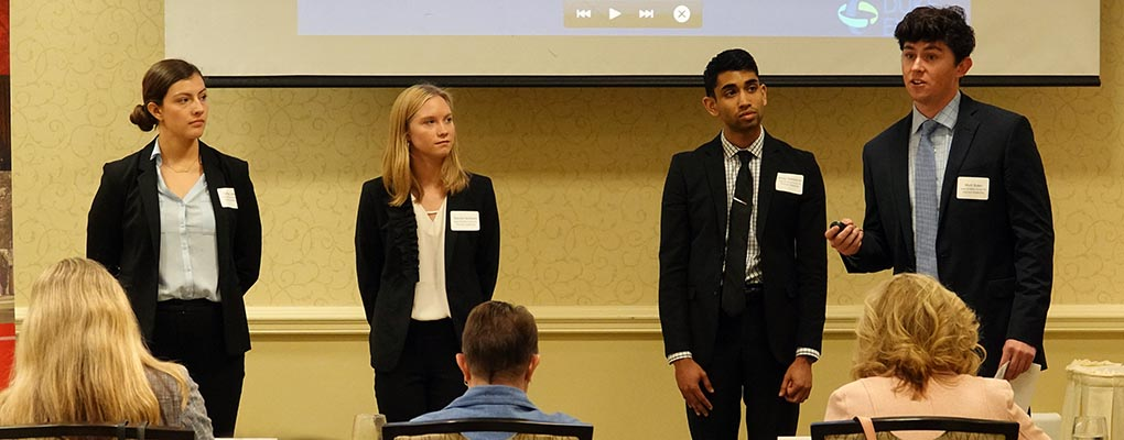 Students make presentation at CBL case competition