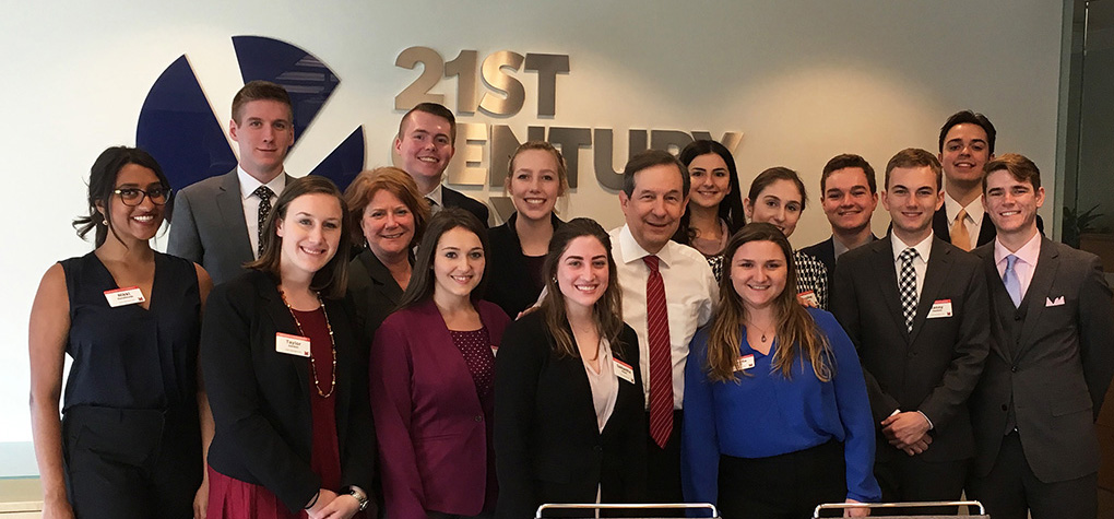 Inside Washington students with Chris Wallace of Fox News Sunday.