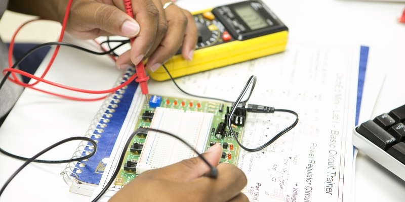 Student working in ECET lab