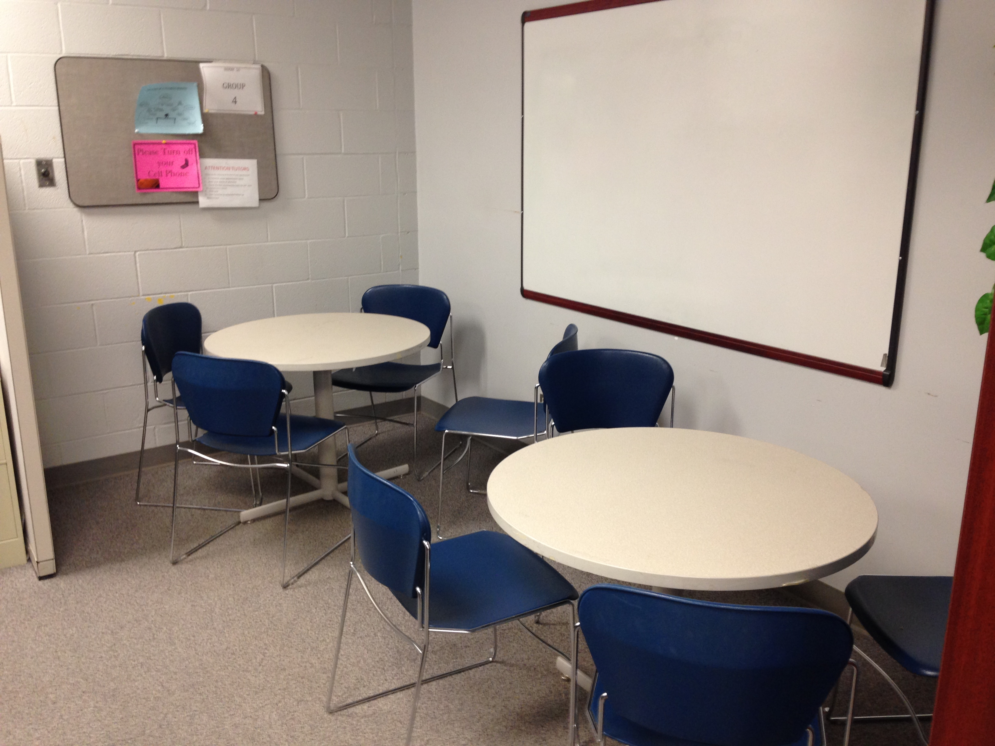 Image of the group tutoring stations in the Rinella Learning Center